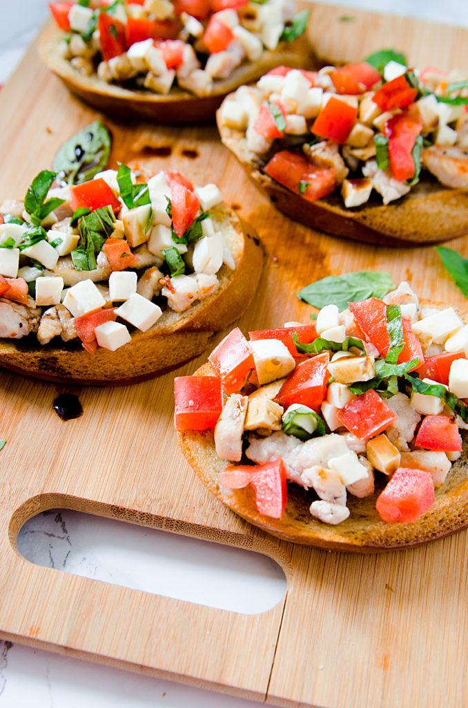 Looking for an easy appetizer, light lunch or snack with a touch of gourmet? Make these fabulous Caprese Chicken Toasties.