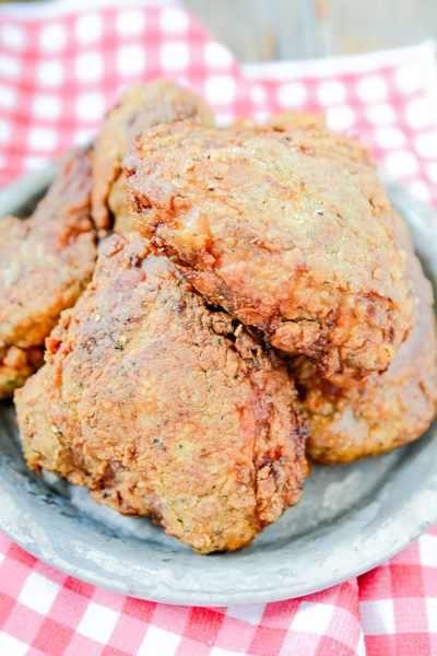 This super crunchy, crispy, and moist fried chicken uses pickle juice to take over the top! Try this amazing pickle brined fried chicken soon, it's sooo worth it!