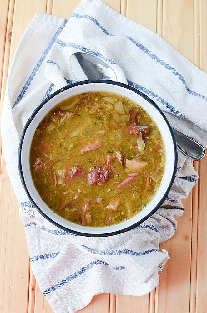 Slow cooker Smoked Pork Hock Soup with Peas. Smoky and hearty, this soup is filled with amazing flavor that's frugal to make and tasty to eat. Much like your ham and split pea soup, this soup has a smokier pulled pork flavor and texture.