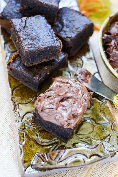 what??? 2 ingredient pumpkin brownies?? yes my friend, yes.