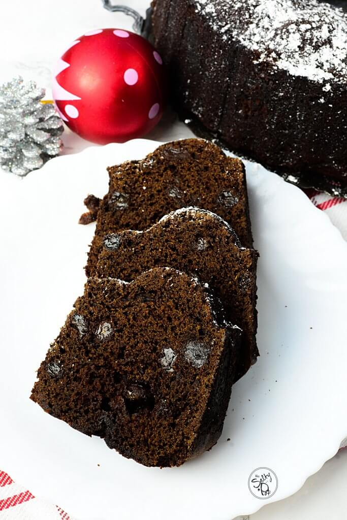 Gingery rum cake with rum soaked raisins! Soo yummy and delicious. It's perfect for the holiday/Christmas season!