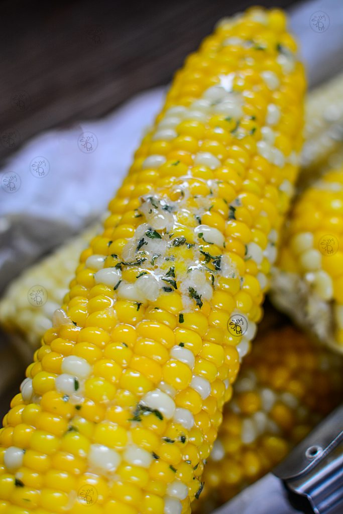 Instant Pot Corn On The Cob With Garlic Butter - Cooked corn