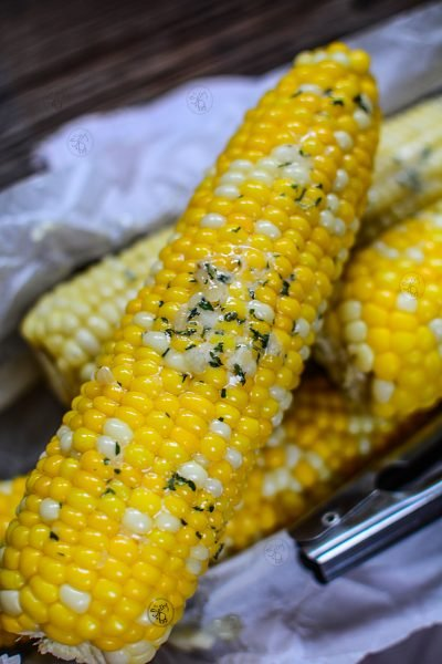 Instant Pot Corn On The Cob With Garlic Butter - Cooked corn on cob