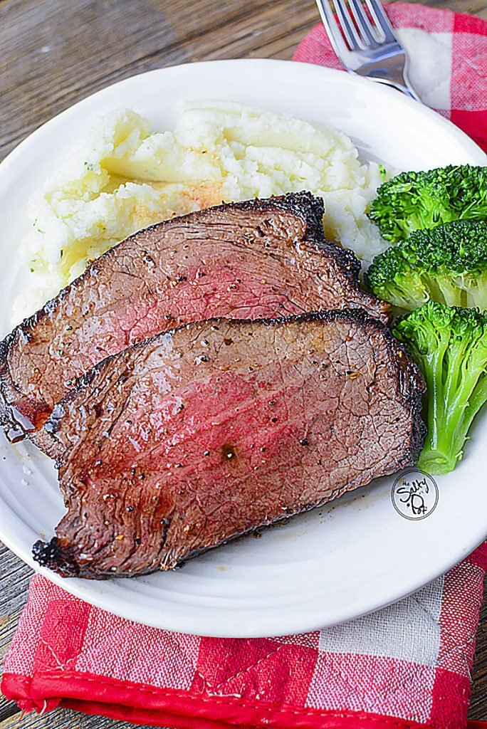 A few slices of this perfectly air fried beef is awesome with mashed potatoes and a bit of broccoli on the side.